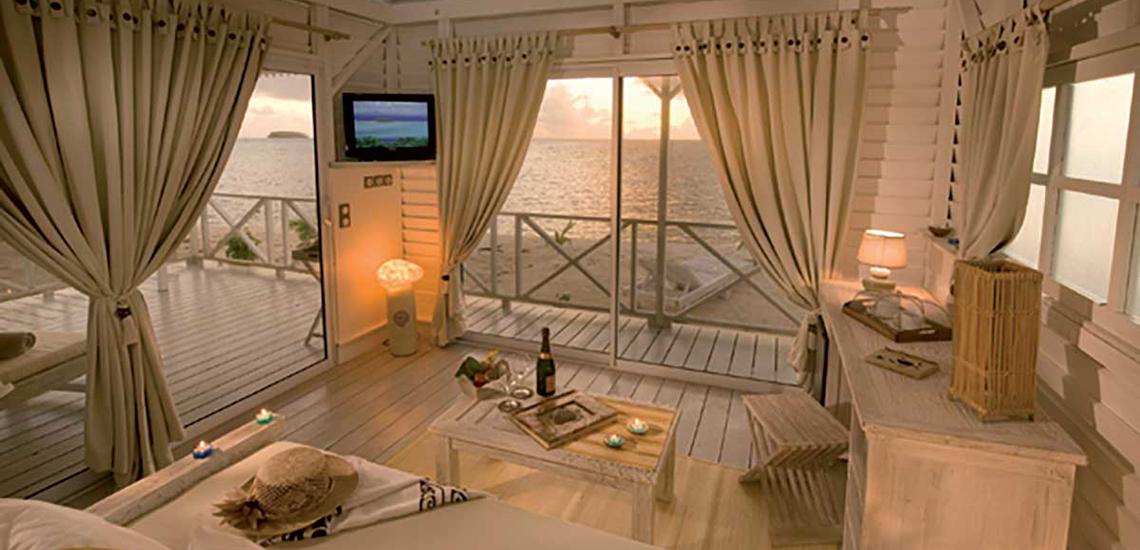 https://tahititourisme.jp/wp-content/uploads/2017/07/SLIDER-Opoa-Beach-Hotel.jpg