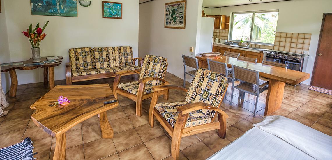 https://tahititourisme.jp/wp-content/uploads/2017/07/SLIDER3-Pension-Bougainville.jpg