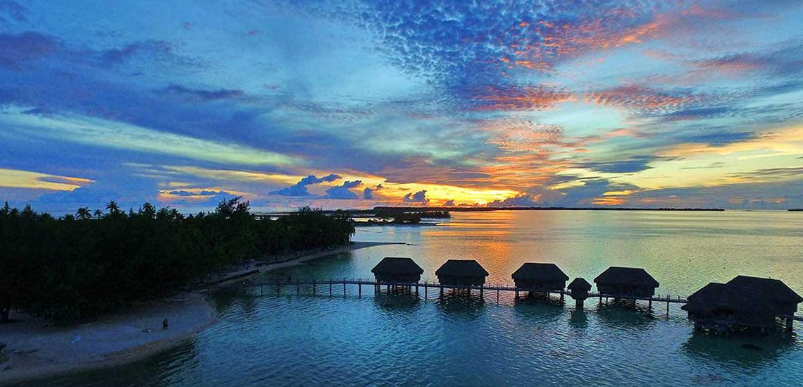 https://tahititourisme.jp/wp-content/uploads/2017/07/SLIDER3-Tikehau-Pearl-Beach-Resort.jpg