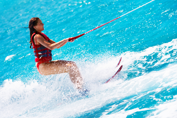 https://tahititourisme.jp/wp-content/uploads/2017/08/ACTIVITES-NAUTIQUES-Tahiti-WaterSports-Center-3.jpg