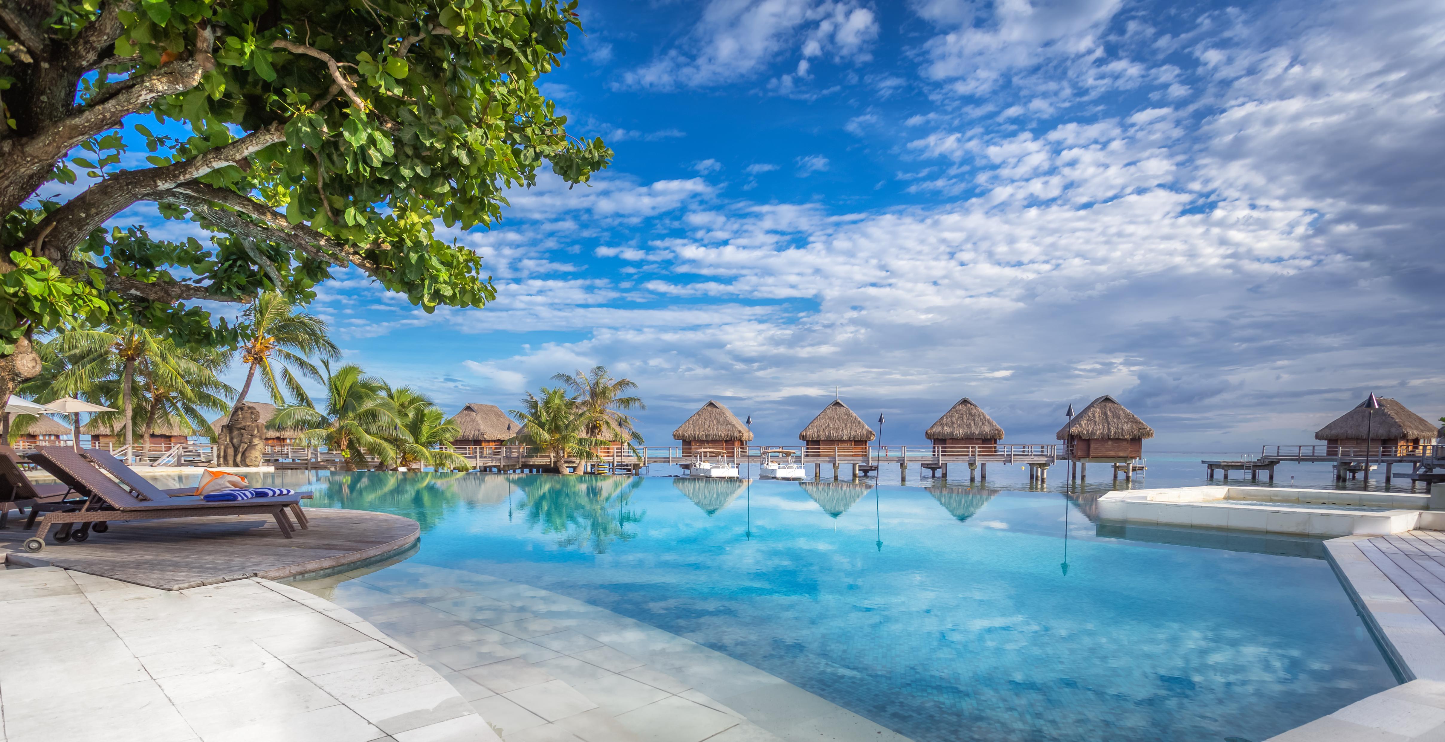 https://tahititourisme.jp/wp-content/uploads/2017/08/HEBERGEMENT-Manava-Beach-Resort-and-Spa-Moorea-1-Charles_Veronese.jpg