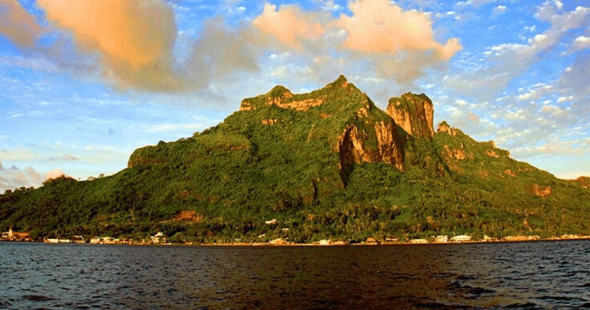 https://tahititourisme.jp/wp-content/uploads/2017/08/PolynesiaIslandTour_1140x550-min.png