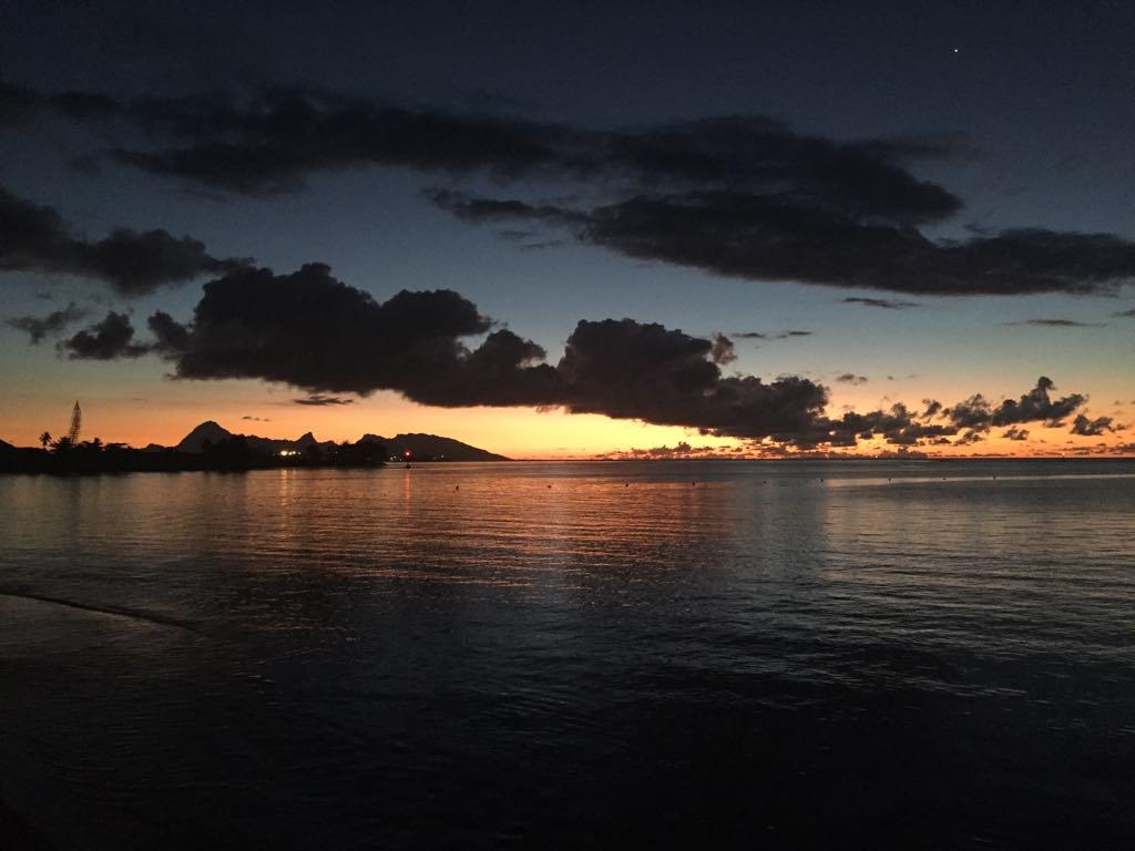 https://tahititourisme.jp/wp-content/uploads/2017/09/Mer-coucher-de-soleil.jpg