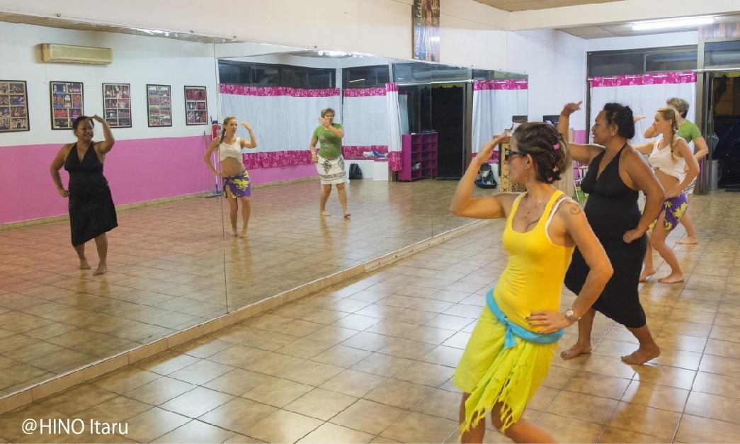https://tahititourisme.jp/wp-content/uploads/2018/03/dance07.jpg