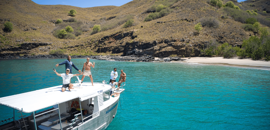 https://tahititourisme.jp/wp-content/uploads/2018/04/marquisesdiving_1140x550-min.png