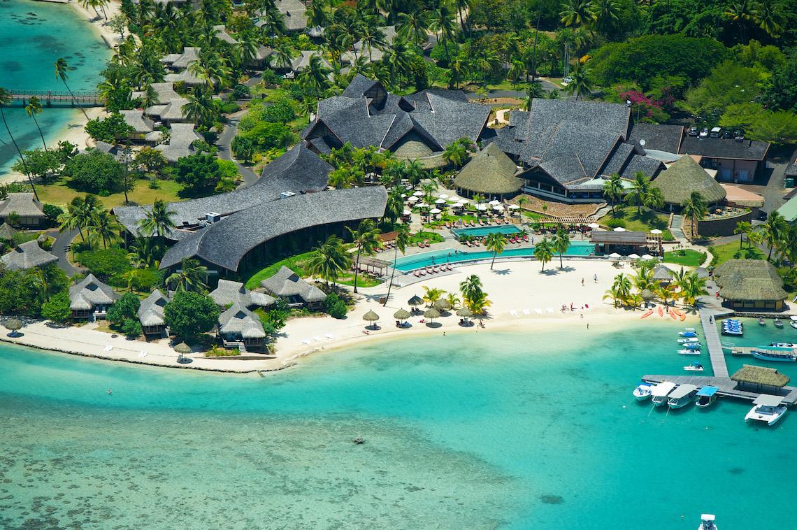 https://tahititourisme.jp/wp-content/uploads/2018/11/InterContinental-Moorea-aerial-view-of-the-intercontinental-moorea-resort-spa-main-part_5548538622_o.jpg