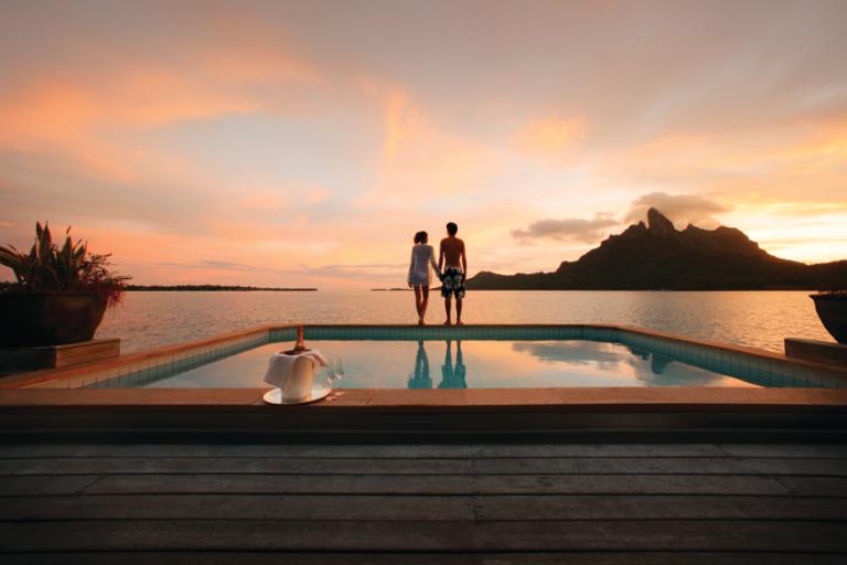 水上バンガローに泊まる!ボラボラ島+タヒチ島8日間