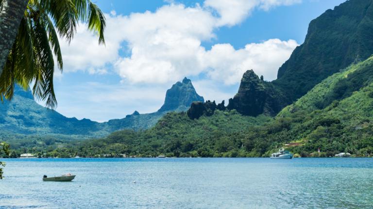 憧れの島に泊まる! マナバ・ビーチ・リゾート&スパ・モーレア 8日間