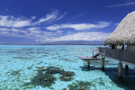 https://tahititourisme.jp/wp-content/uploads/2018/12/moz_sftl_luxury_overwater_bungalow01w472.jpg