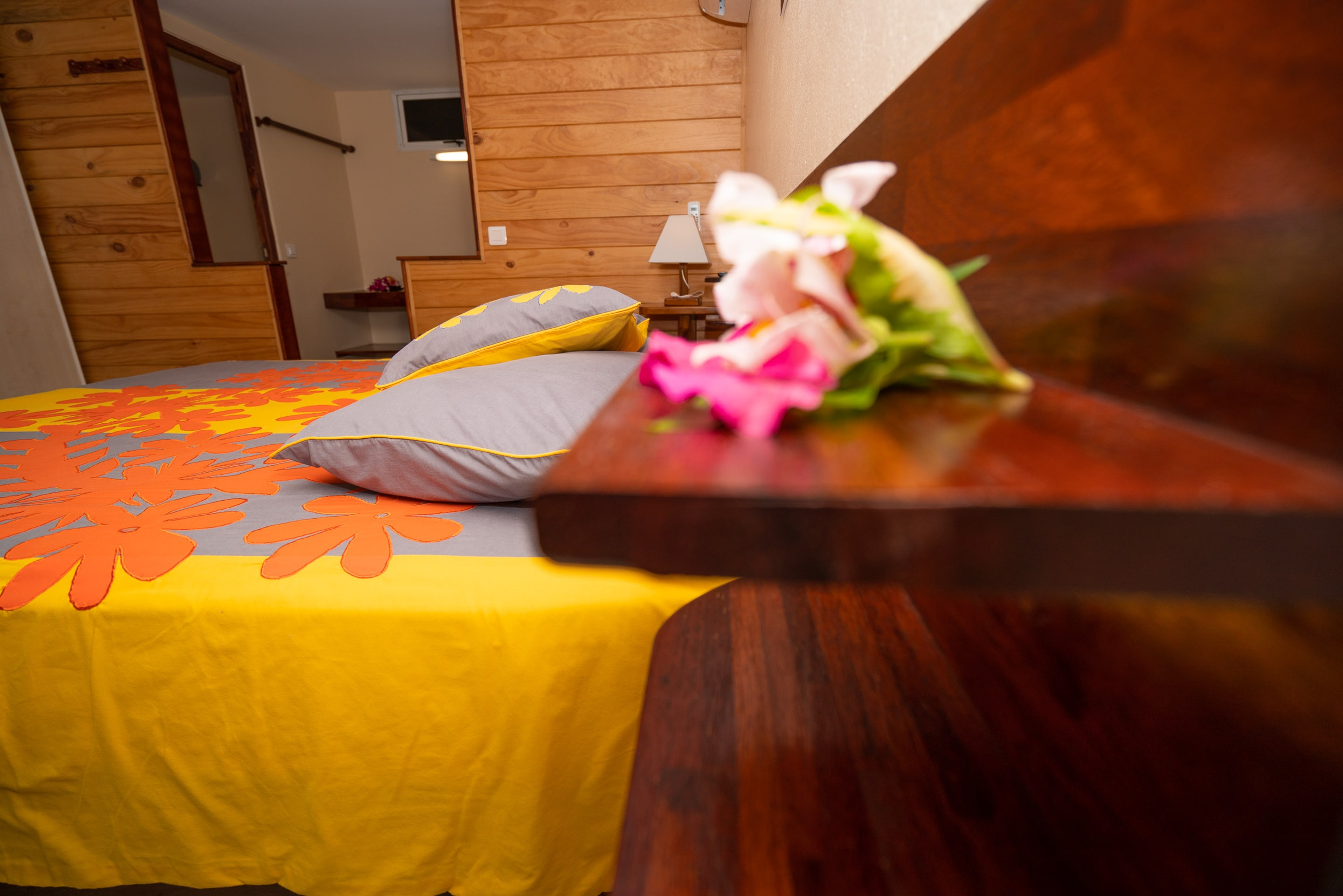 https://tahititourisme.jp/wp-content/uploads/2019/03/Bora-Holiday-Lodge-Superior-room-24-min.jpg