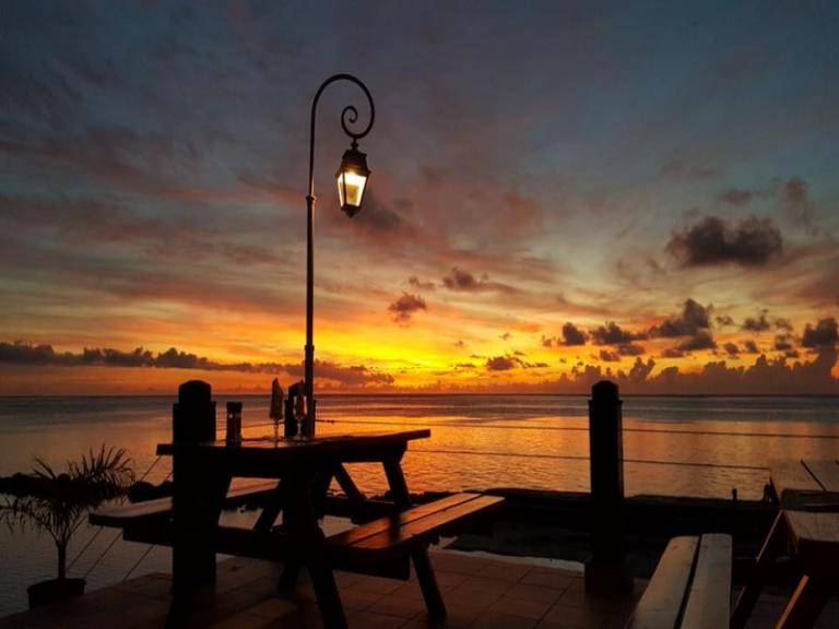 ◇格安で泊るタヒチの旅◇モーレア島+タヒチ島6日間 ホテルハイビスカス