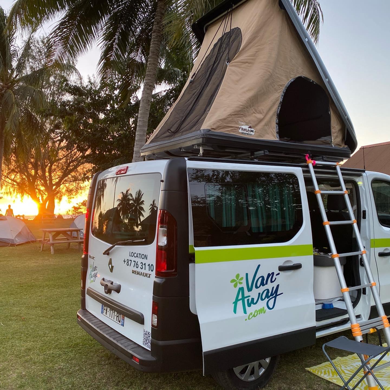 https://tahititourisme.jp/wp-content/uploads/2021/07/malaga-camping-nelson.jpg